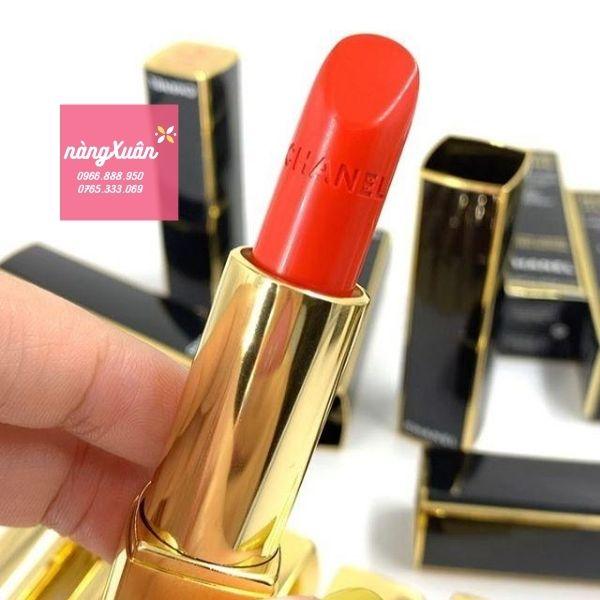 Review Chanel Rouge Allure Luminous Intense 827