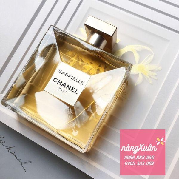 Chanel Gabrielle bám mùi lâu, toả hương tốt