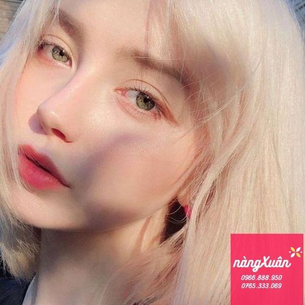 Swatch son Chanel 60 Rouge Troublant Rouge Allure Velvet màu cam san hô