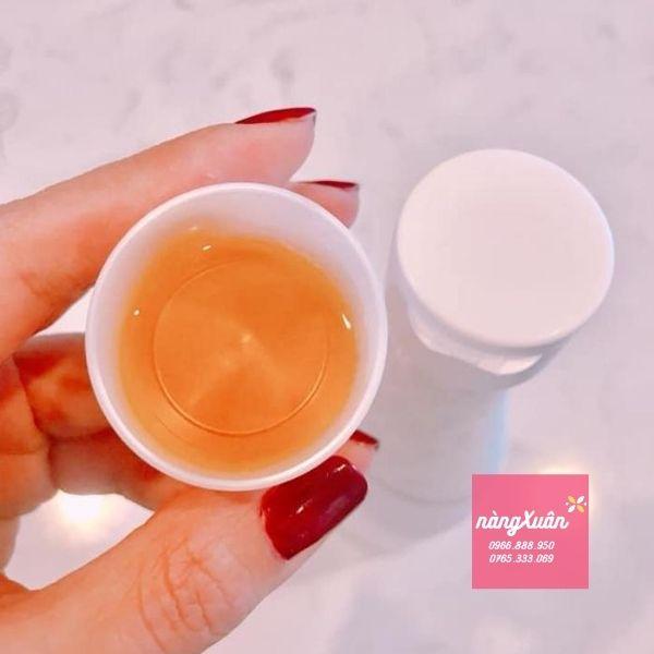 Uống 15ml Collagen Refa chính hãng mỗi sáng hoặc tối