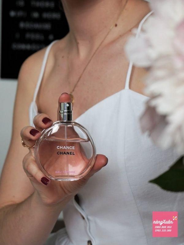 Review Nước hoa Chanel Eau Tendre Hồng