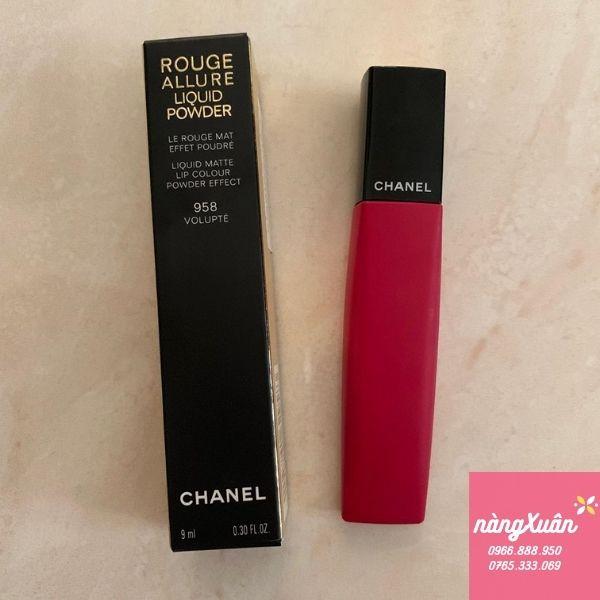 Thỏi son Chanel Liquid Powder 958 có thiết kế độc lạ