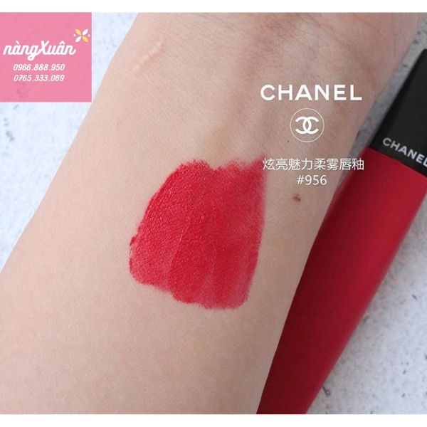 Swatch son Chanel Liquid Powder Authentic