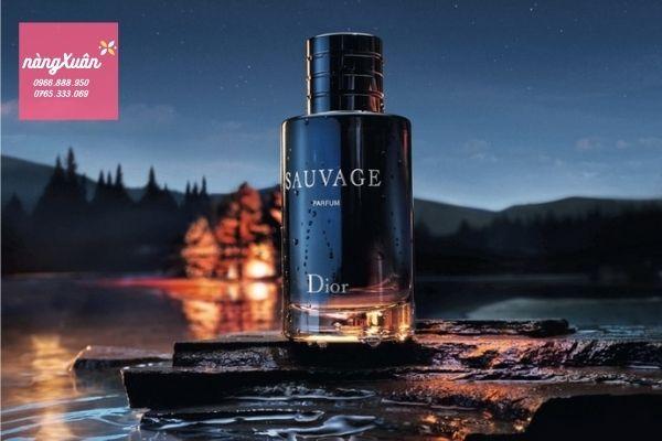 Nước hoa Dior Sauvage Parfum thơm lâu, bám dai