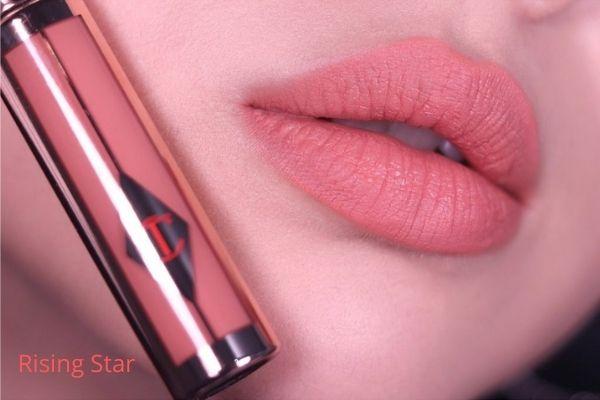 Review son Charlotte Tilbury Hollywood Lips Rising Star