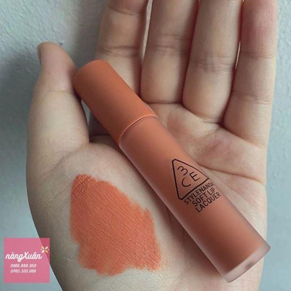Swatch son 3CE Soft Lip Lacquer Peach Tea màu Cam Nude