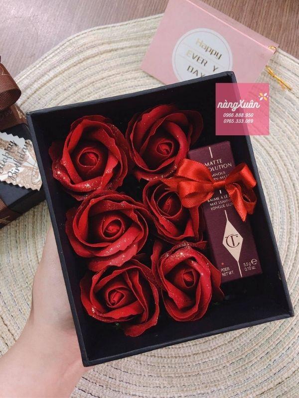 Hộp hoa hồng sáp