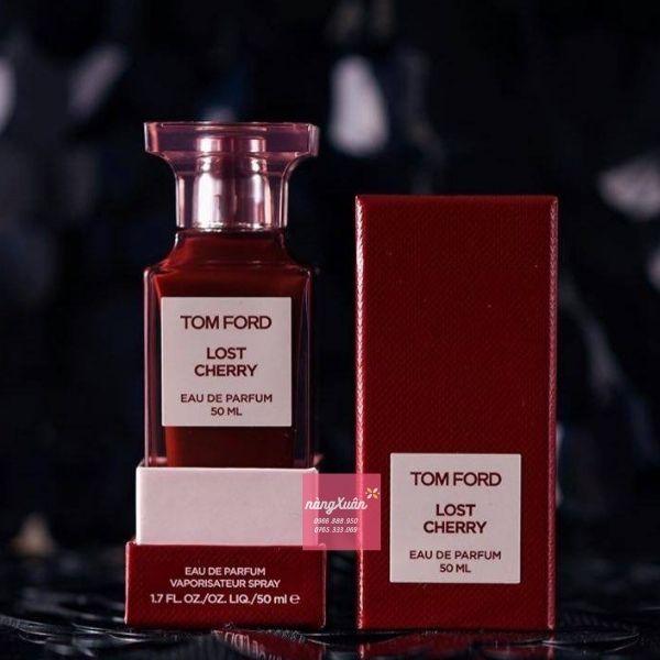 Thiết kế chai nước hoa TF Lost Cherry vuông vức quen thuộc của hãng Tom Ford.