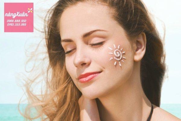 Clarins - Hiệu quả chống nắng đến 8h